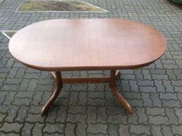 Duży drewniany stół rozkładany w bardzo dobrym stanie