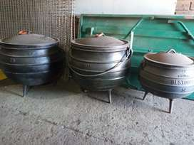 Large cast iron pot Nr 25