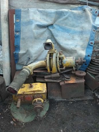Насос водяной водяная помпа Редуктор до агрегата удобрений