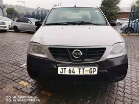 2018 Nissan NP200 with service book and spare key