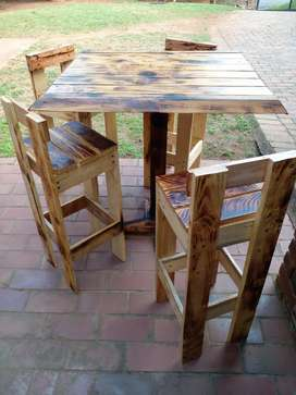 Tall Coffee Table & Chairs
