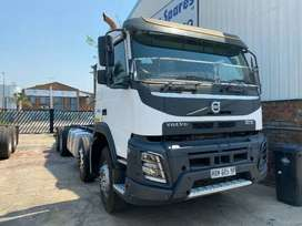 clean and neat VOLVO fmX480 twinsteer truck trackor on sale
