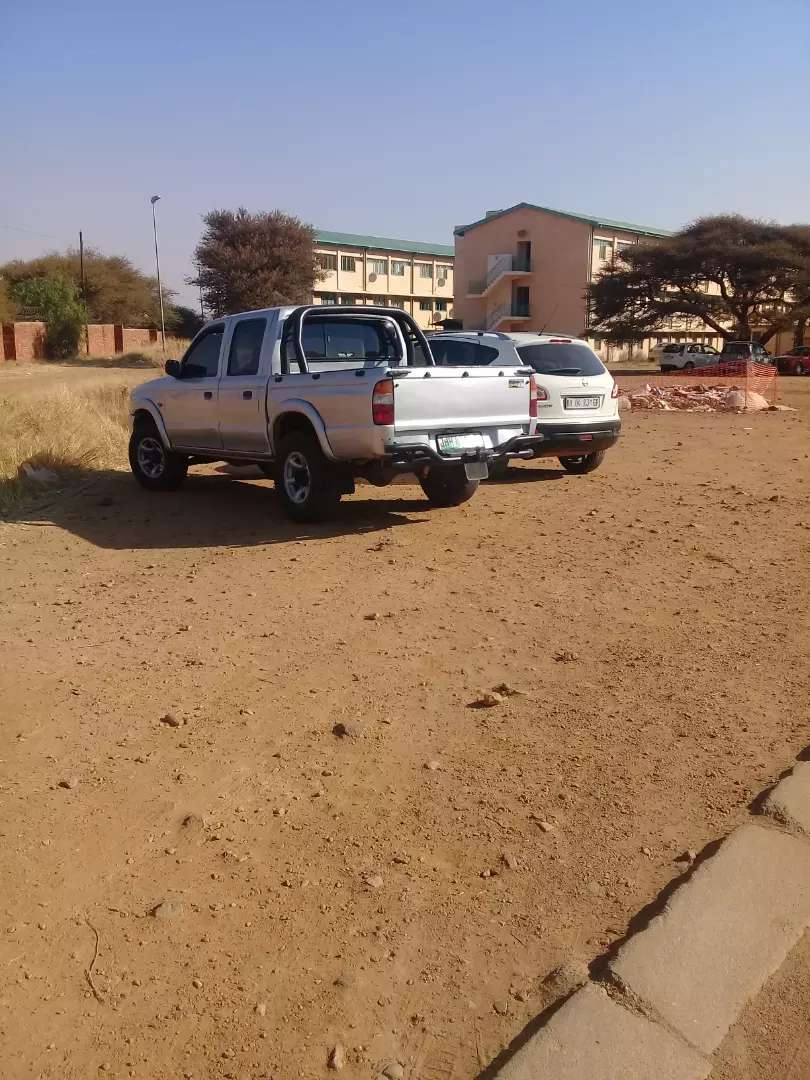Mazda b25 turbocharged  diesel selling  or swop with truck 0