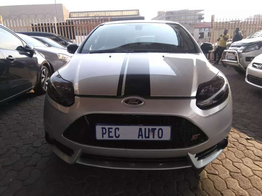 Ford focus ST . 2.0 0