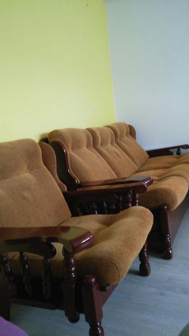 Trosjed i 2 fotelje,3+1+1, masivna-puno drvo 0