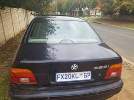 BMW 525i R20000 no time wasters please. No negotiations.
