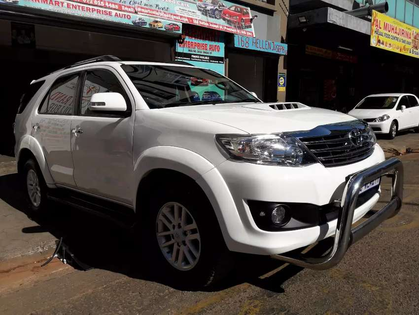 TOYOTA FORTUNER 2012. MANUAL 0