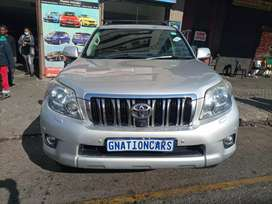 Toyota land cruiser 4.0vx Auto 2012 model for SELL
