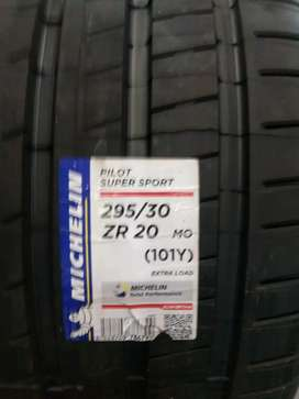 New tyres for BMW M5