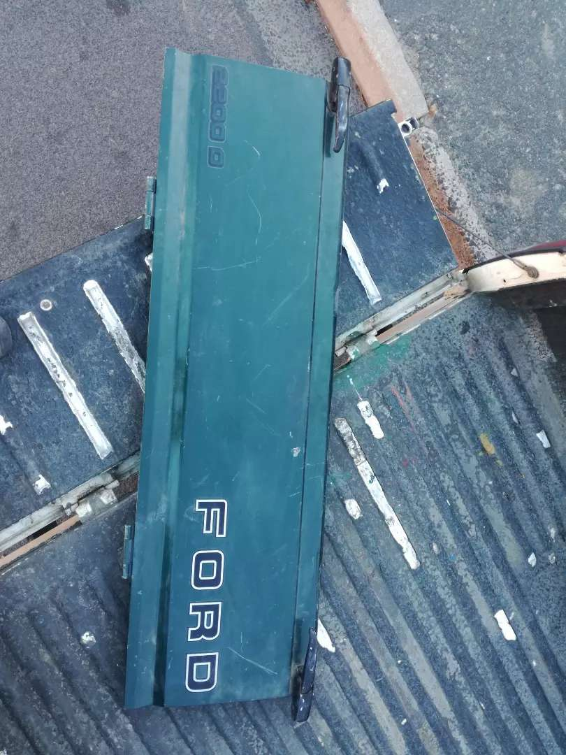 Ford Courier tailgate 0