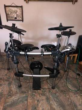 Electronic Drum Kit, mixer and speaker