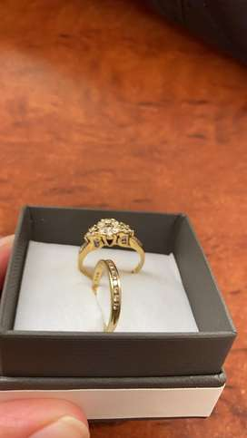 18ct Gold cluster & Baguette diamond ring for sale