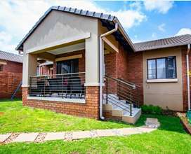 Beautiful 3 Bed Townhouse in Stone Forest,  Mooikloof Ridge for sale.