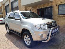Toyota Fortuner D4D 4X4 (7 Seater) Year: 2009 Engine: 3.0ltr