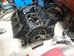 Блок двигателя Ауди А6 А4 А8 Passat Skoda 2.5tdi.