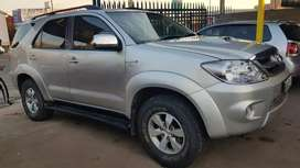 Toyota Fortuner 3.0D4D manual and good condition
