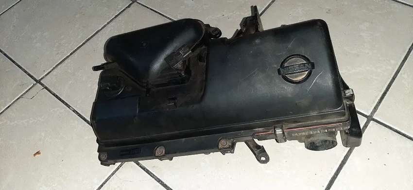 Nissan micra 1.4 air box and throttle Body for sale