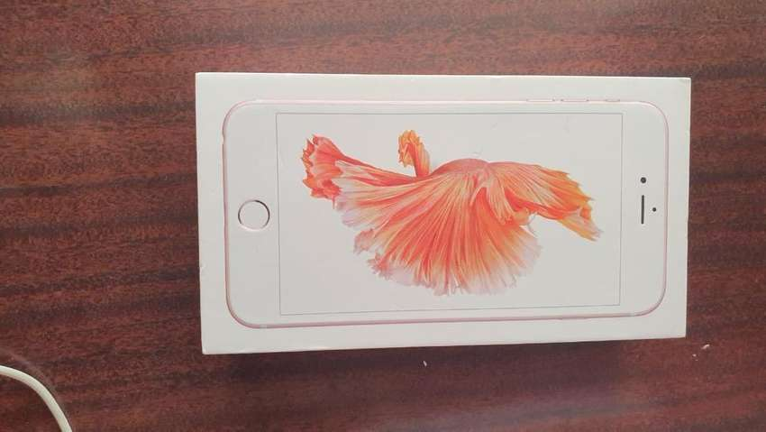 Rose gold iPhone 6s Plus for sale, 64gig storage 0