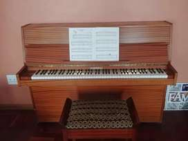Upright Rippen Piano