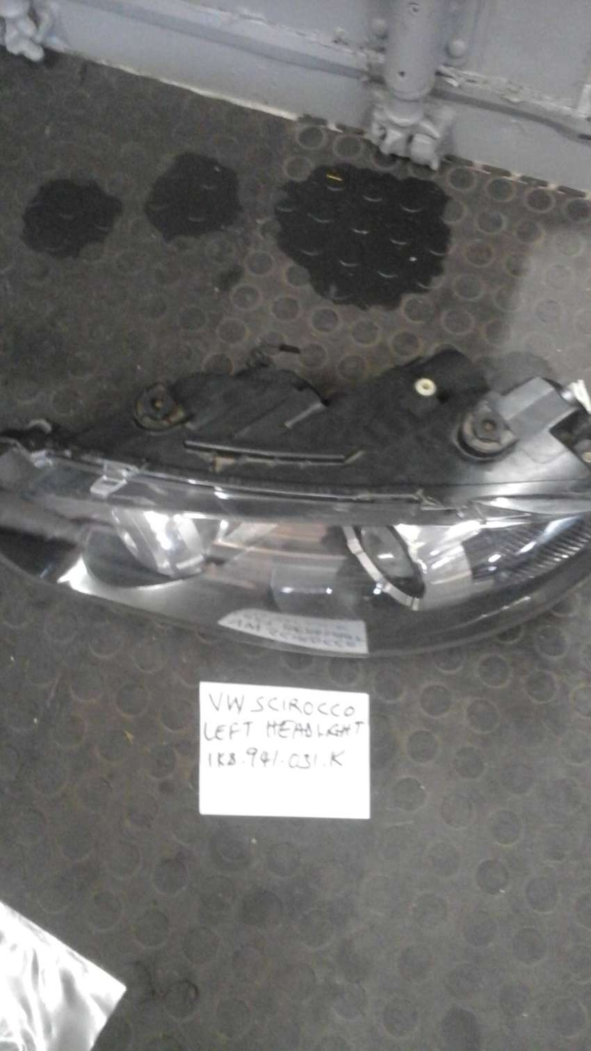 VW Scirocco Left HeadlightC 0