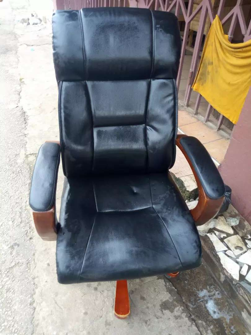 Officer chair 0