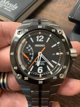 Seiko Kinetic Sportura Direct drive watch for R5000 and Citizen Eco d
