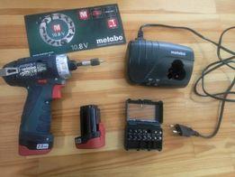 Шуруповерт Мetabo с набором бит + чемодан