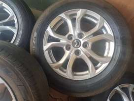 I'm selling tyres and rim for mazdacx3