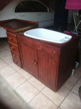 Lovely baby bath and cabinet combo