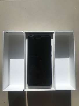 Huawei P10 64gb with box and charger