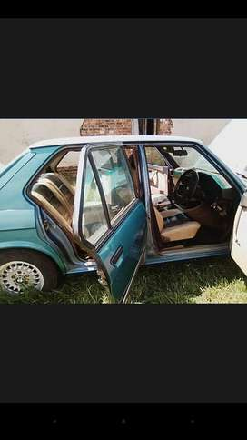 Hi selling or to swop my e28 BMW 525 for small bakkie or small car