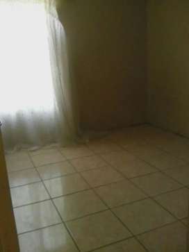 Room inside the main house to rent, available for R2000 only