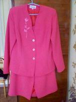Новый костюм. Размер 48-50.500 рублей