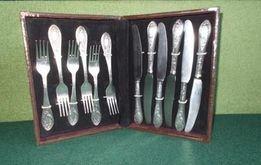 Набор вилок и ножей для десерта