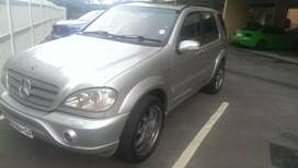 2002 Mercedes ML55. 185000km great condition. Sold with COR