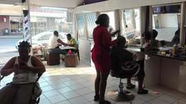 Am selling saloon in makopane