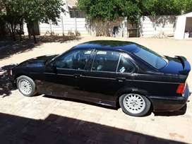 E36 325i project in motion