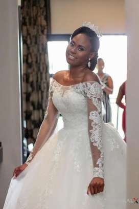 A beautiful wedding dress to hire