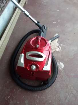 LOGIK VACUUM CLEANER WORKING PERFECTLY