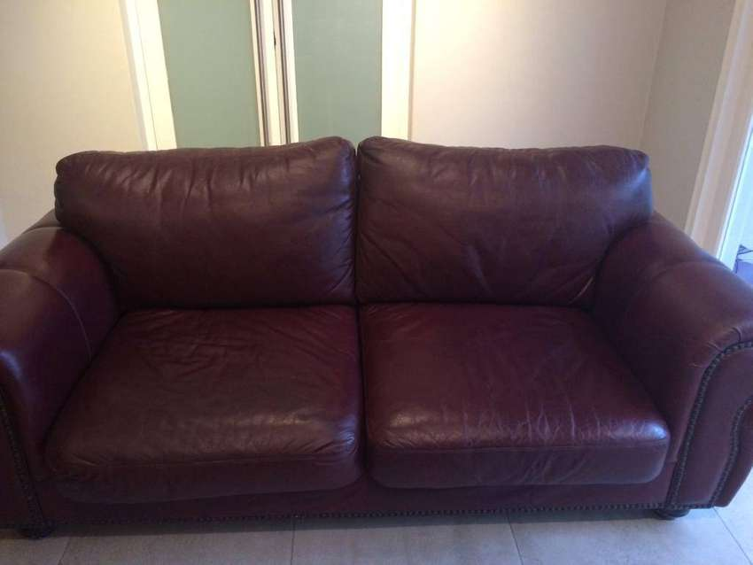 Leather couch 0