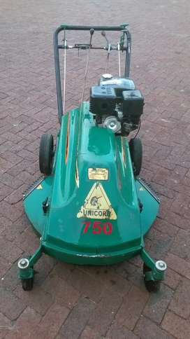 Kudu lawn mower torx xt390 engine.13.5hp