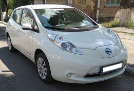 Нисан Лиф Nissan Leaf 2015 белый
