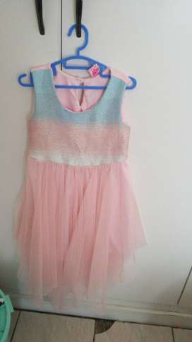 One bag of preloved girls clothing ages 3-6