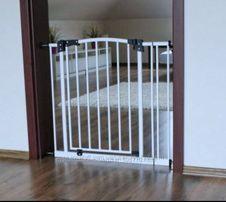 Ворота,ограждение,барьер Maxigate для безопасности малыша