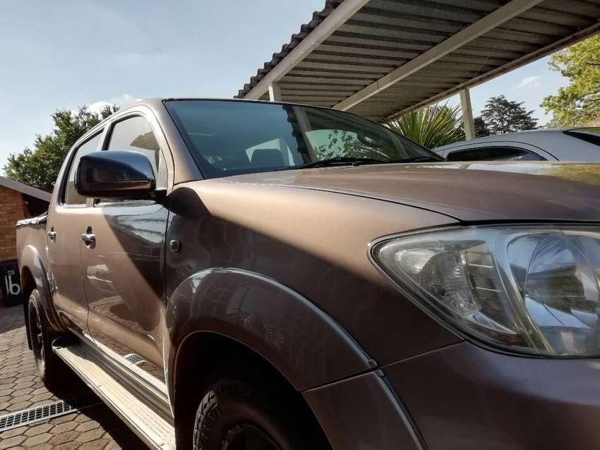TOYOTA HILUX 2,7 FOR SALE 0