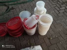 Water feeders and feed buckets
