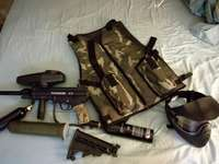 Image of paintball gun Tippmann A-5 with extras