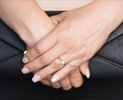 SREBRO PR.925 Śliczny Pierścionek Krystaliczne Cyrkonie