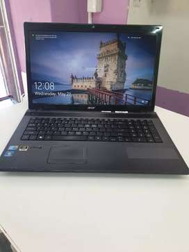Acer core i3 17""