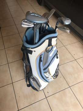 Wilson Ladies Golf Club Set with Bag